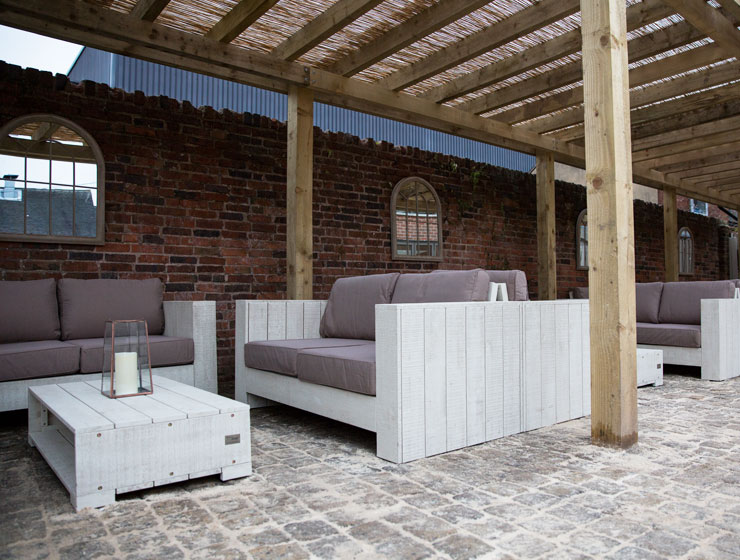 The outside seating area at Pasta Di Piazza, Stone